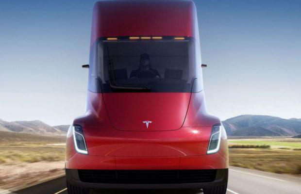Tesla Илона Маска назвала цены наэлектрогрузовики