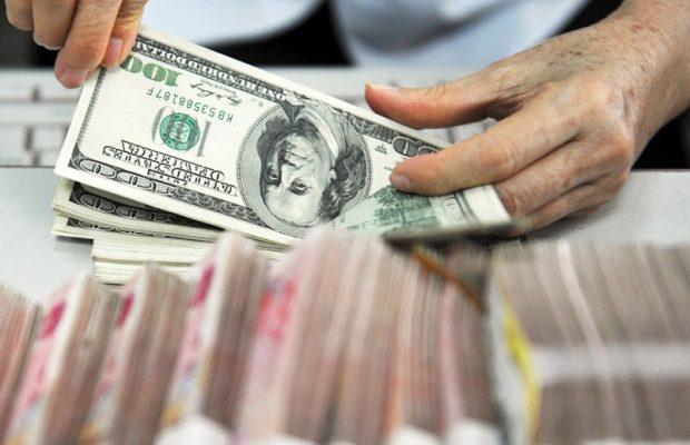 Министр финансов РФ летом закупит валюту нарекордные 379,7 млрд руб.